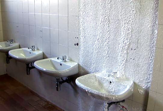 4-mousse-sanitaire-4