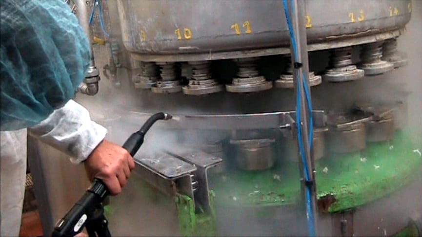 Pulizia industriale a vapore